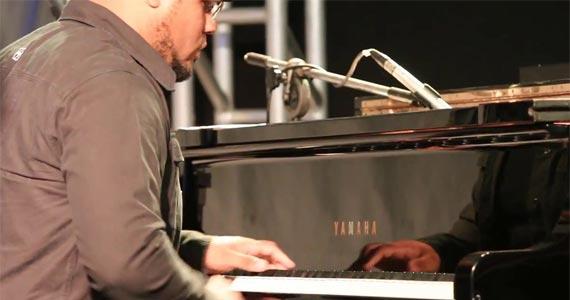 O jovem pianista Michel Lima Trio apresenta o seu projeto no palco do Bar Madeleine Eventos BaresSP 570x300 imagem