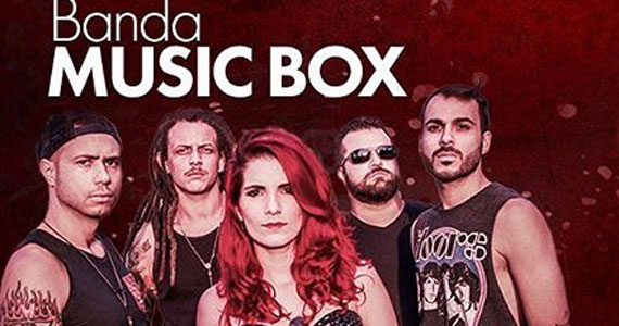 Banda Music Box sobe ao palco do Republic Pub