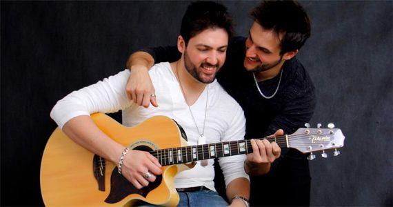 A dupla Nando & Ricky apresenta um repertório com sertanejo de raiz ao universitário no Villa Country Eventos BaresSP 570x300 imagem