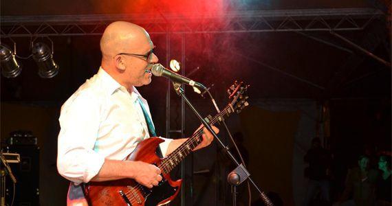 Nuno Mundelis se apresenta no palco do Bourbon Street Eventos BaresSP 570x300 imagem