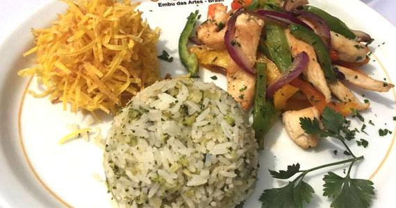 Grande variedade de pratos de diversos cantos do mundo no cardápio do O Garimpo Eventos BaresSP 570x300 imagem