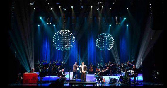 Pedro Mariano e Orquestra  traz um repertório com músicas de grandes artistas no Teatro Alfa Eventos BaresSP 570x300 imagem