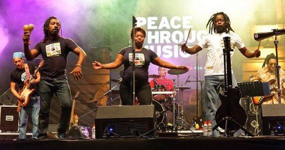 Hoje tem Playing for chance se apresentando no palco do Bourbon Street Music Eventos BaresSP 570x300 imagem