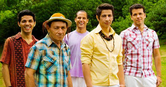 O palco do Canto da Ema recebe o show do grupo Rastapé  BaresSP