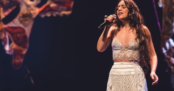 Roberta Sá apresenta seu novo disco Giro em show na Casa Natura Musical Eventos BaresSP 570x300 imagem