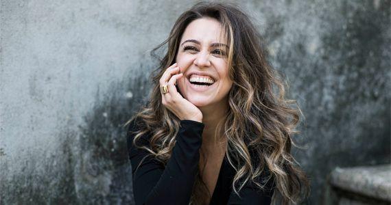 """A cantora Roberta Sá lança novo DVD """"Delírio no Circo"""" em duas apresentações no Teatro J. Safra Eventos BaresSP 570x300 imagem"""