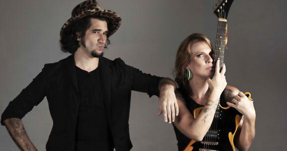 Rock   Humor estreia no Teatro Itália com Gabi Roncatti e Landau Eventos BaresSP 570x300 imagem