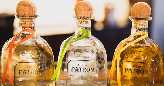 O bartender Heitor Marin encerra a semana Semana Patrón no Fleming's preparando delicosos drinks Eventos BaresSP 570x300 imagem
