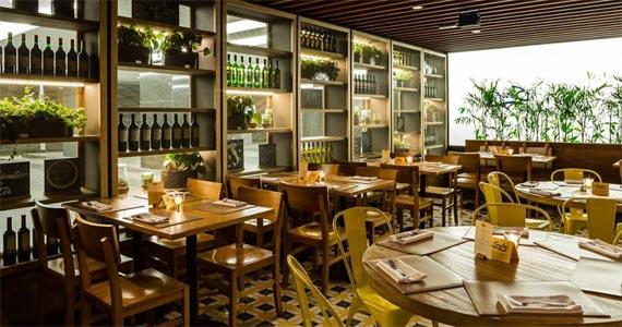 O Serafina Restaurante JK apresenta uma criação exclusiva para o Dia das Mães o Mezzaluna di Zucca ai Gamberi Eventos BaresSP 570x300 imagem