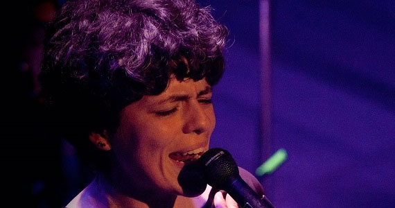 Tacy de Campos apresenta o seu show solo O Manifesto de Canção no Ao Vivo Music Eventos BaresSP 570x300 imagem