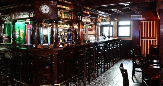 Segunda é dia de curtir Banda Feel Good Acústico no The Blue Pub Eventos BaresSP 570x300 imagem