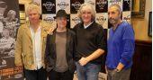 Integrantes do Dire Straits fazem turnê pelo Brasil e se apresentam no Espaço das Américas
