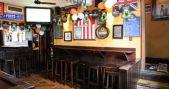 Banda Soul Three embala a noite de segunda no The Blue Pub /eventos/fotos2/thumbs/bluepub_balcao2.jpg BaresSP