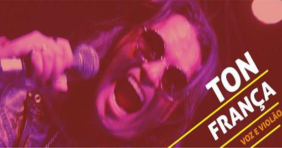 Voz & violão com o cantor Ton França anima à noite na Casa Amarela Pub com muito rock Eventos BaresSP 570x300 imagem