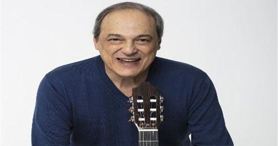 O cantor Toquinho encerra as comemorações dos 50 anos do Teatro Tuca Eventos BaresSP 570x300 imagem
