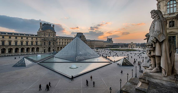 Tour virtual no Museu do Louvre