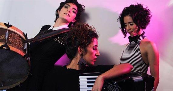 http://www.baressp.com.br/eventos/fotos2/trio_sinha_flor_virada_cultural2017_150520171043.jpg