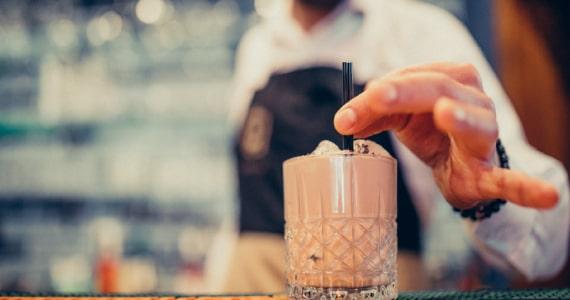 Como preparar um gin