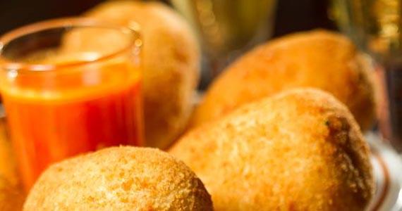 Veloso Bar oferece deliciosas caipirinhas e variedades de petiscos Eventos BaresSP 570x300 imagem