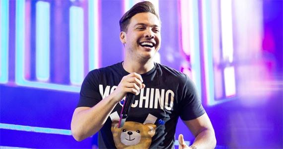 Wesley Safadão canta os seus maiores sucessos no palco do Vila Country Eventos BaresSP 570x300 imagem