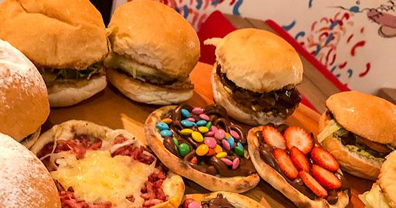 BurgUP! apresenta novidade com rodízio de mini burgers Eventos BaresSP 570x300 imagem