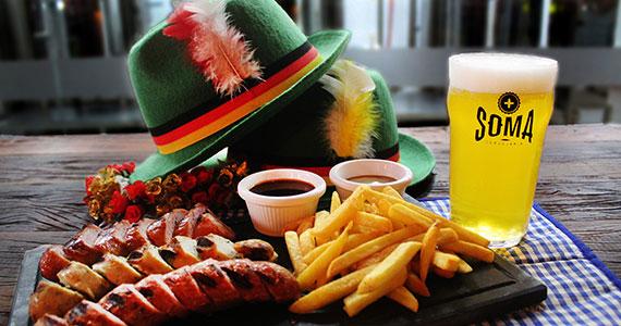 SOMA Cervejaria celebra Oktoberfest com cervejas e música ao vivo Eventos BaresSP 570x300 imagem