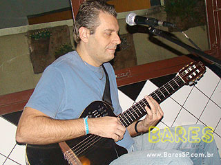 Banda Pop Soul Trio no Bar Martins
