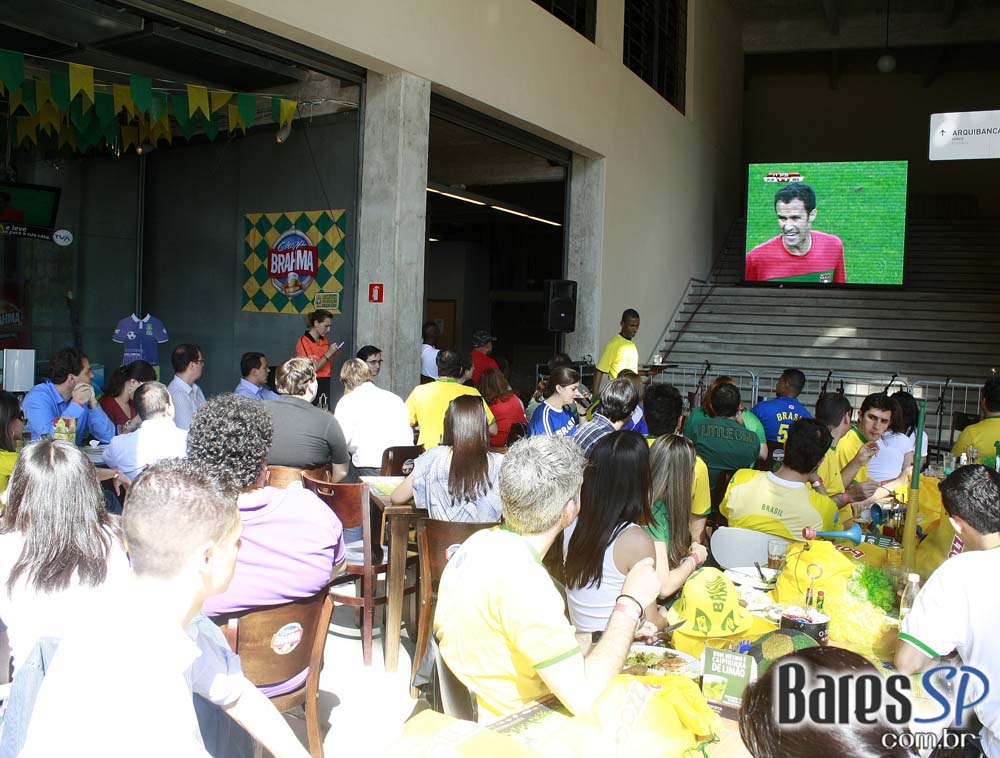 Grupo MBM no Bar O Torcedor, no Estádio do Pacaembu