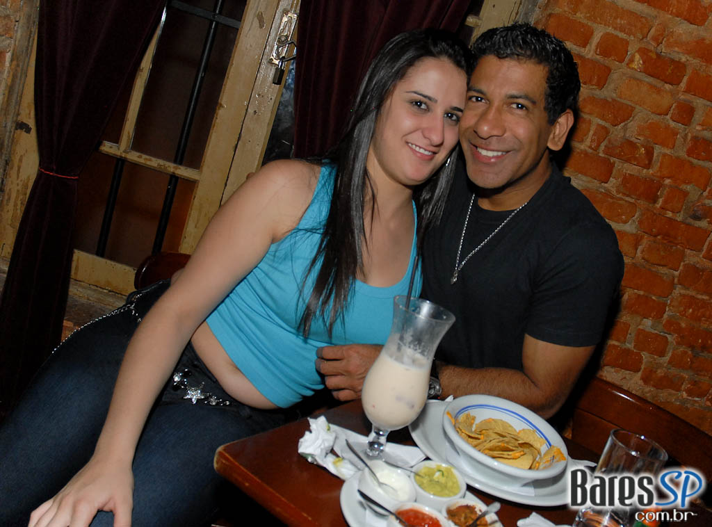 Noite com sucessos do Pop latino no Rey Castro