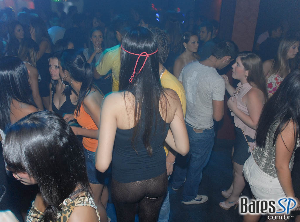 Black e House ditam o ritmo na noite do Play Club