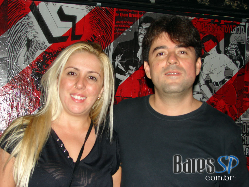 Punk inglês do The Boys e Ed Tudor Pole agitaram a pista da Clash Club