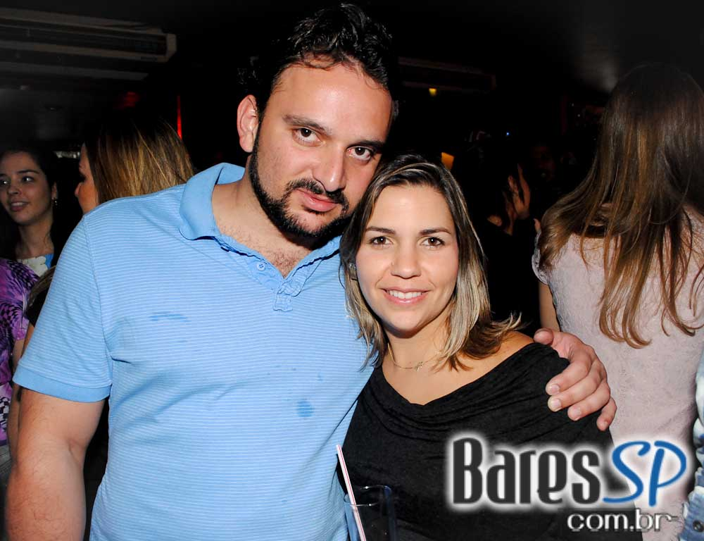 Republic Pub recebeu os shows de Mama Cherry e banda Taboo