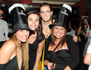 Republic Pub comemorou o ST. Patrick's Party