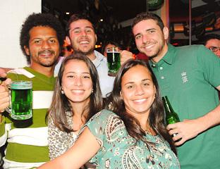 Republic The Bar celebrou o ST. Patrick's Day com participação da banda Confuzie e 3D Sampa