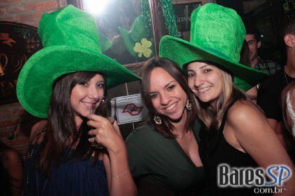 Dublin comemorou St. Patrick's Day ao verdadeiro estilo Irish Pub