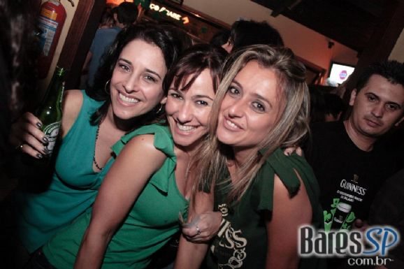 Comemoração do ST. Patrick's Day no All Black