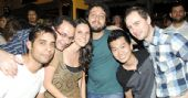 Show da banda Zero Onze no palco do Bar Charles Edward