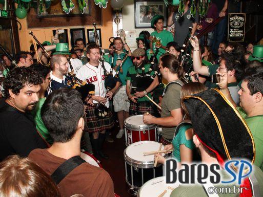 Finnegan's Pub celebrou no domingo a ST. Patrick's Party