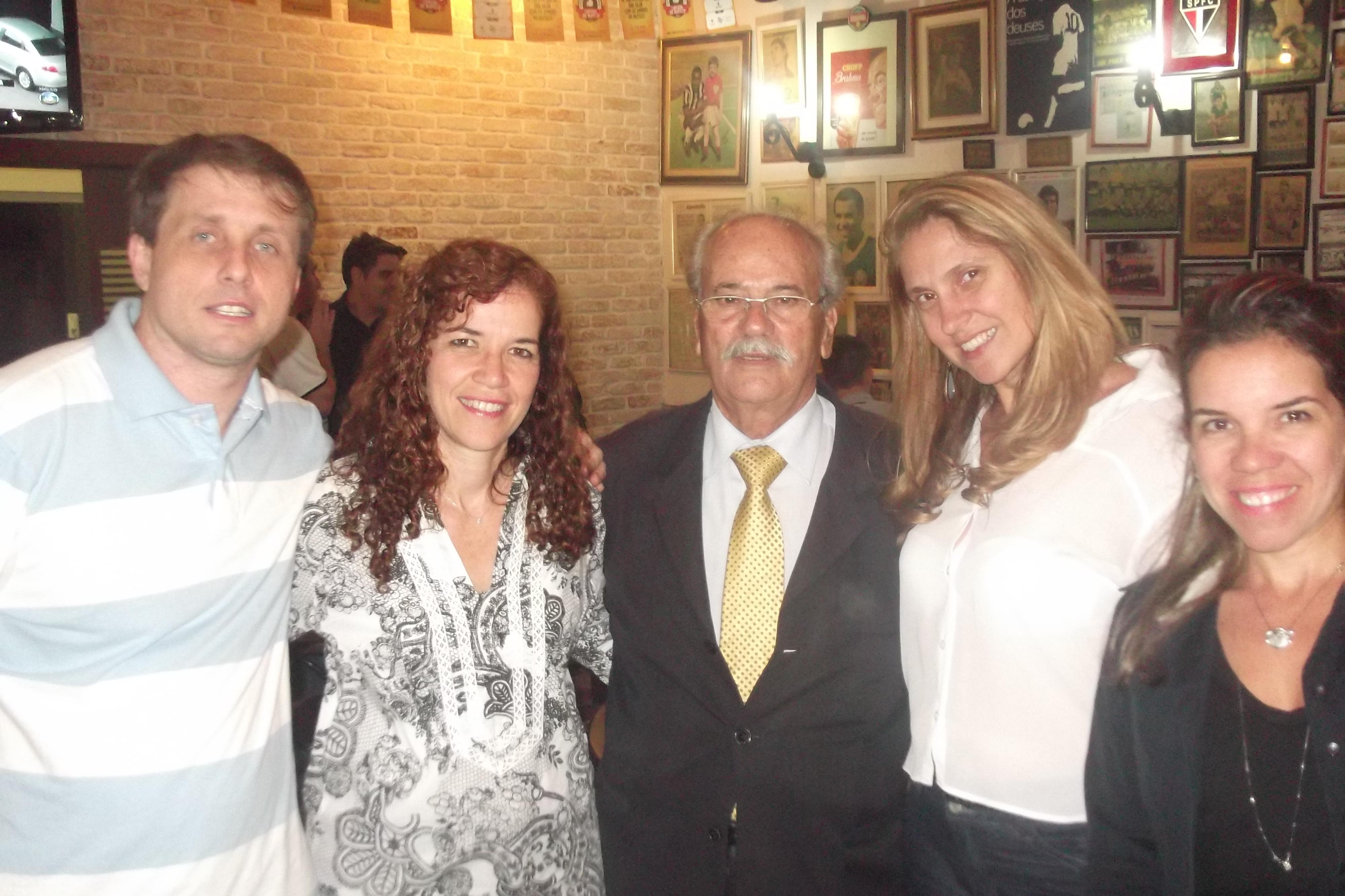Noite de Autógrafos no Elídio Bar, Vitor Guedes.