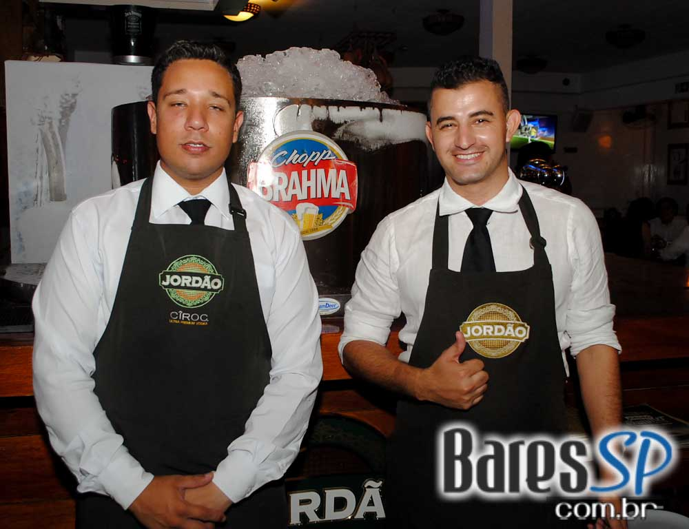 Jordão Bar ofereceu Happy Hour com chope gelado e petiscos