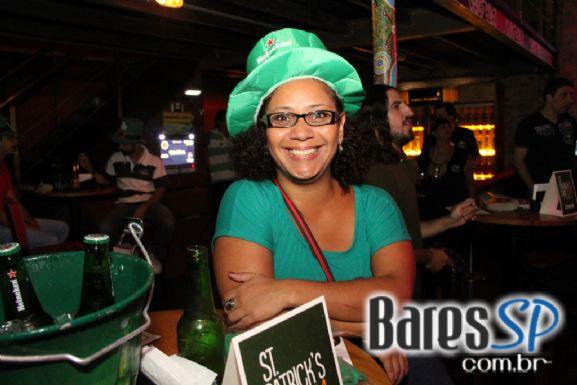 Bandas convidadas agitaram a comemoração do St. Patrick's Day nesta segunda-feira no Ozzie Pub
