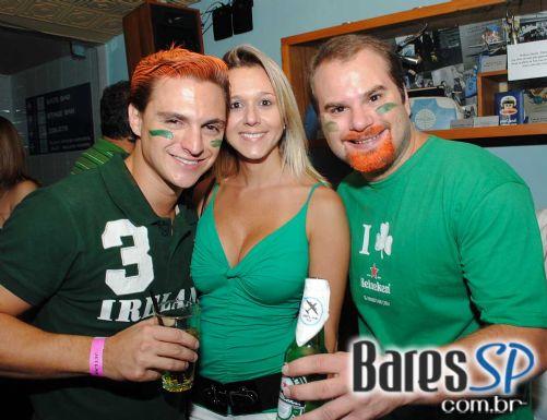 Jet Lag recebeu bandas Certo Diablos e Junkie Box que animou o St. Patrick's Day