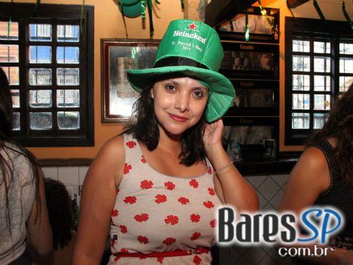 Festa de St. Patricks Day com Gaita de Foles e bandas de rock no domingo no Finnegans Pub - St. Patrick Week