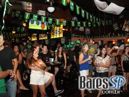 Rhino Pub recebeu bandas convidadas que comemoraram o St. Patrick Day no domingo - St. Patrick Week
