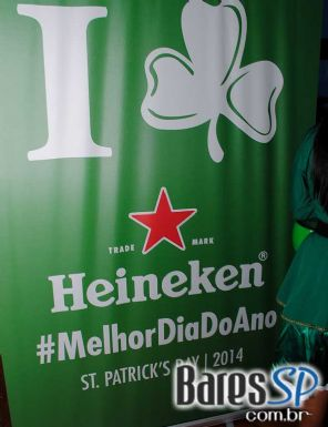 The Blue Pub ofereceu promoções diversas na semana de St. Patrick's Day - St. Patrick Week