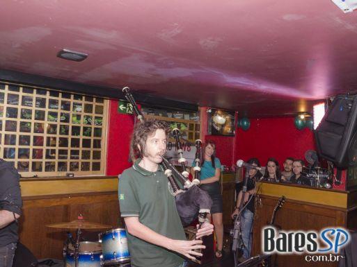 Banda Vih e Bubbles animaram a noite de sábado no Republic Pub - St. Patrick's Week
