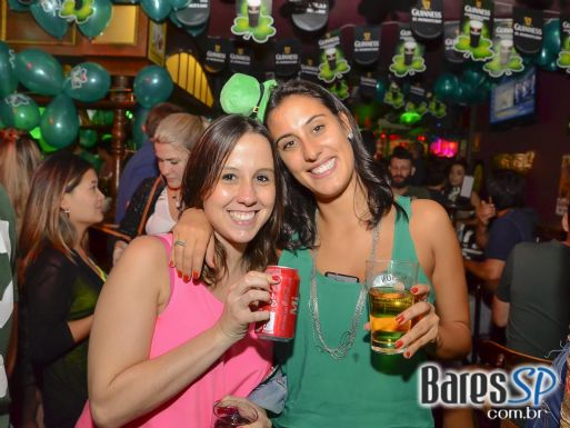 Bandas Vih e Banda Overman animaram a noite com muito pop rock no Republic Pub - St. Patrick's Week
