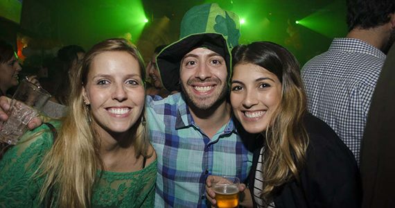 Banda Almanak agitou o St. Patrick's Day com Welcome Chope no St. George's Pub