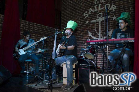 Festa Saint Patrick's animou a terça-feira com bandas convidadas no The Sailor Pub