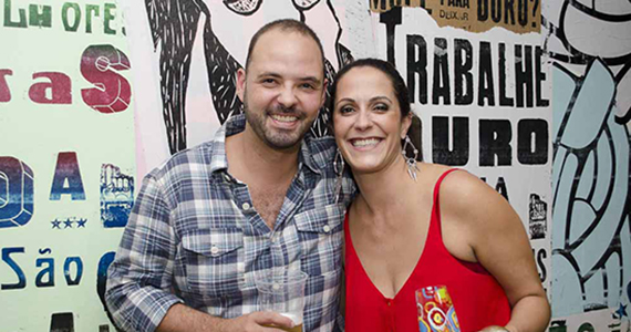 Inaugura��o do Espa�o 946 Hostel - Bar s�bado com variedades no bar